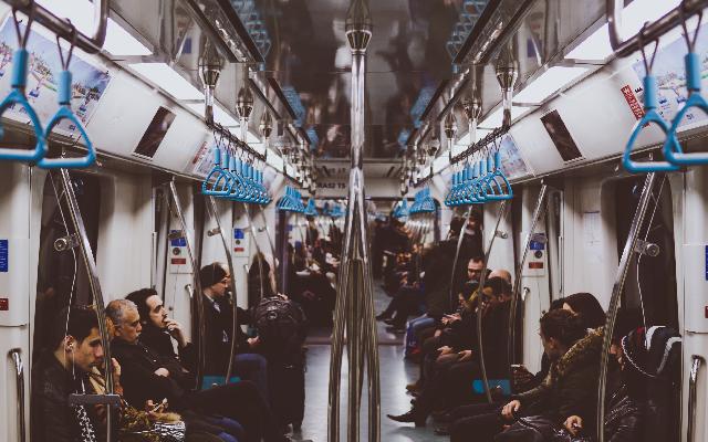 電車_640x400